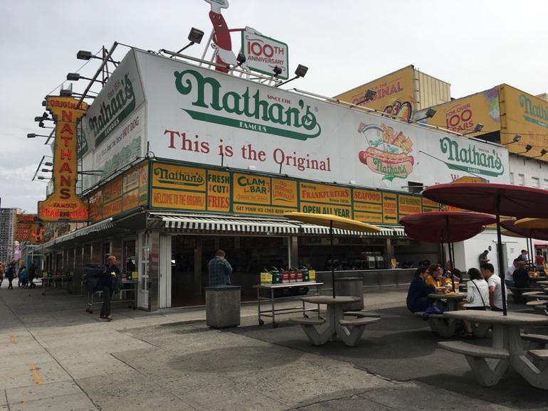 Coney Island buiten hoogseizoen New York