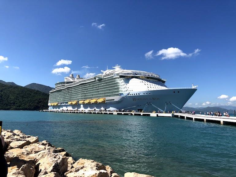 Cruiseschip bij Haïti